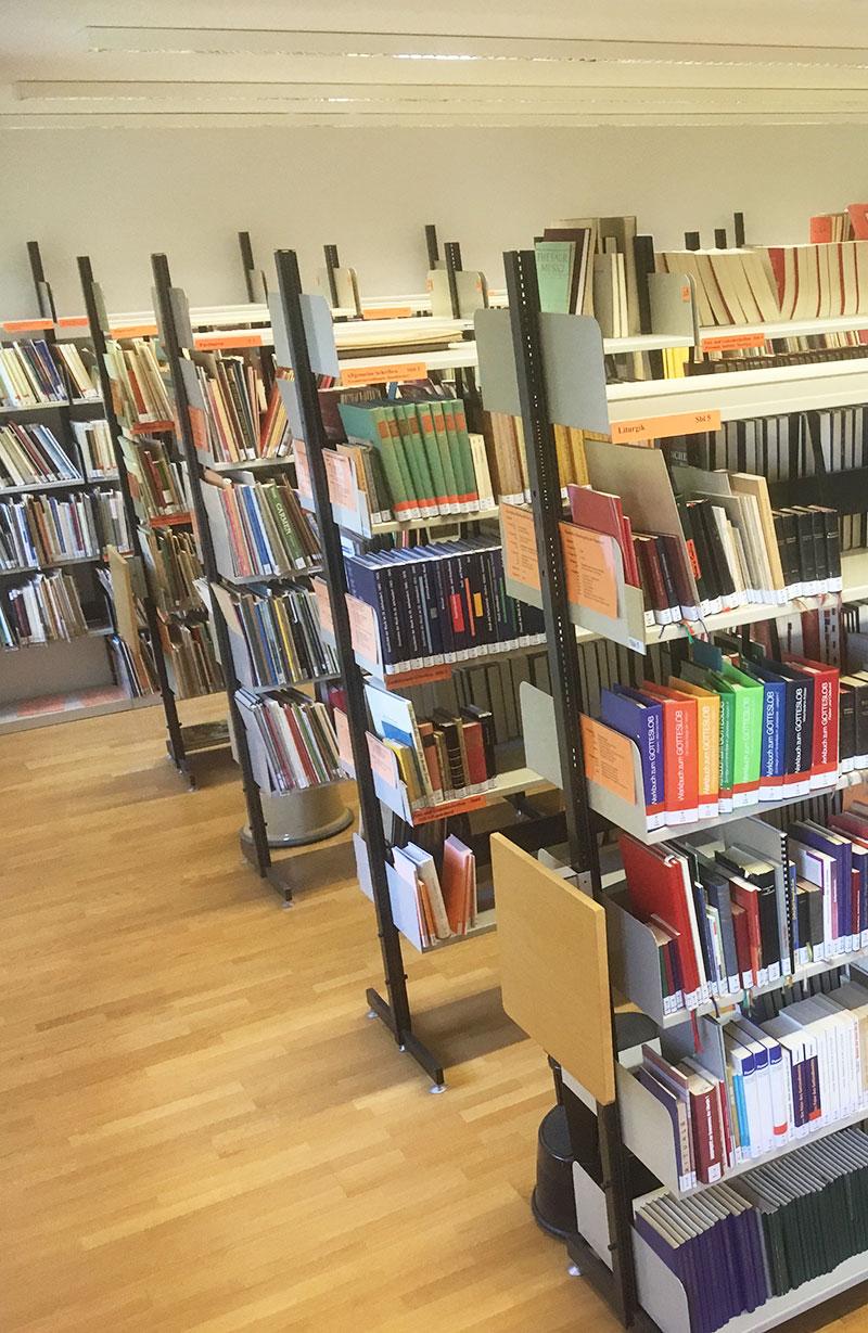 Bibliothek | HfKM Regensburg
