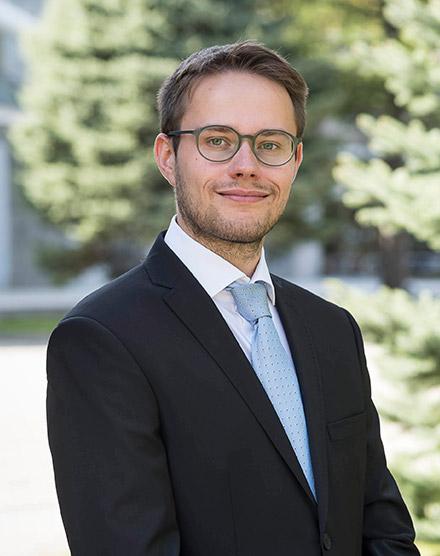 Dr. Martin Gregorius